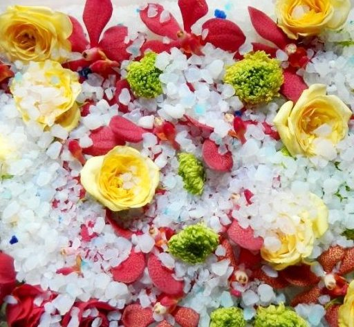 16.Flori la uscat
